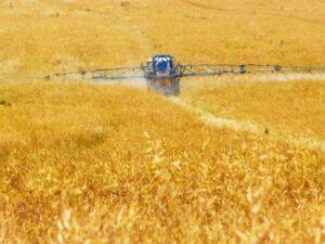 pesticidi su coltivazione